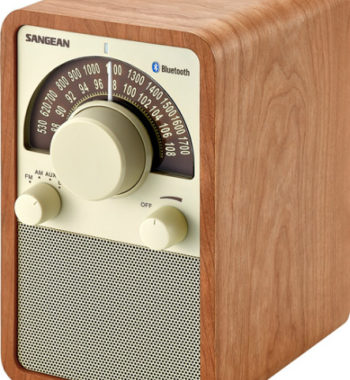 Sangean WR-15BT FM / AM / Bluetooth Wooden Cabinet Receiver